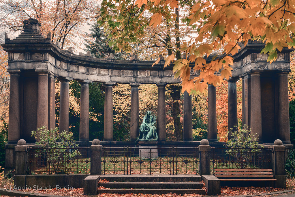 monument in a autumn park. Unknown artist of the 19th century.